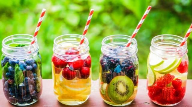 Jak się nauczyć pić wodę? Porozmawiajmy o nawykach :)